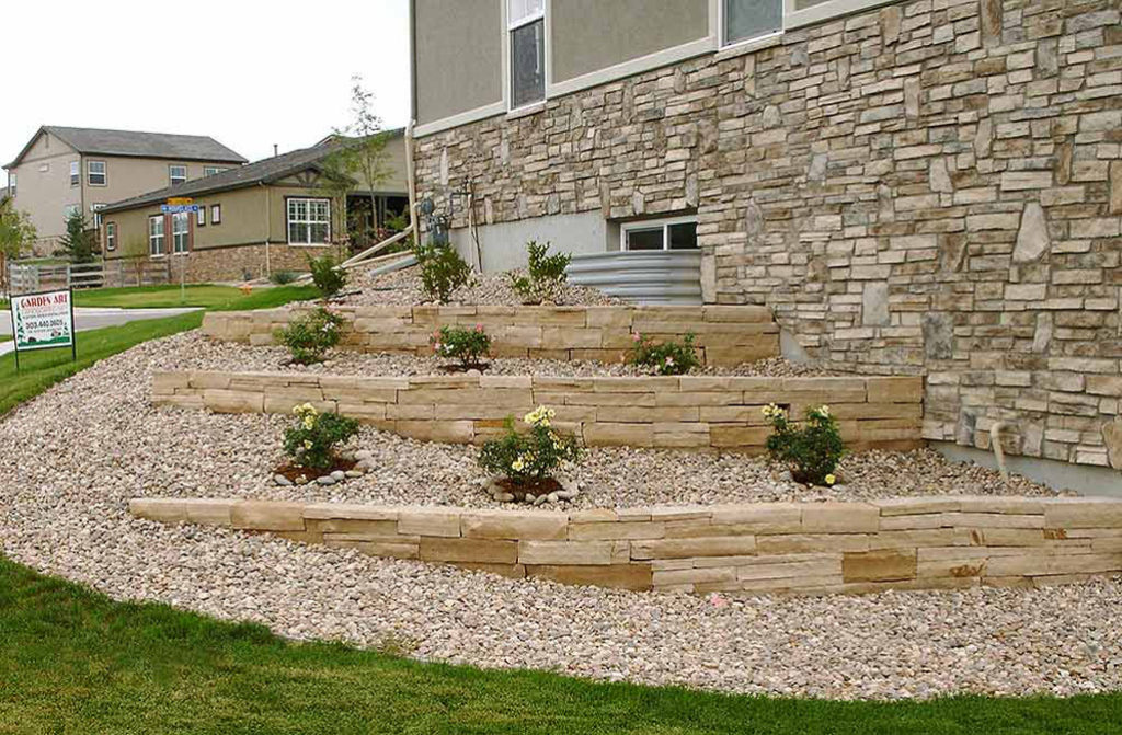 Buff-Flagstone-Retaining-Walls