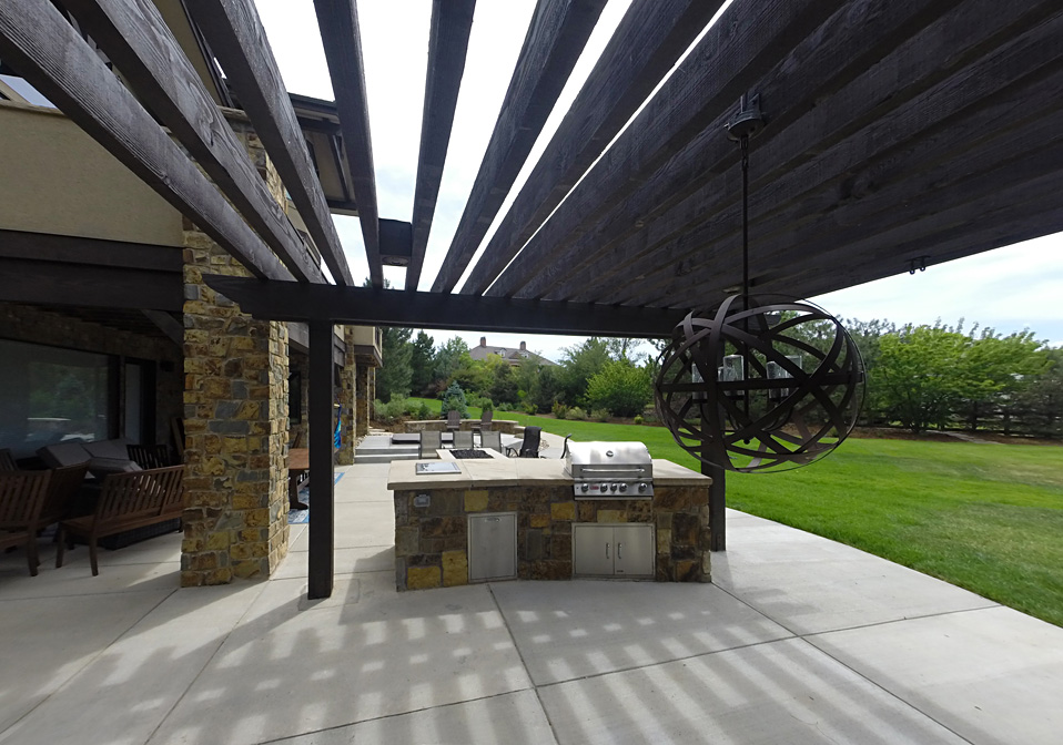 Pergola & Kitchen