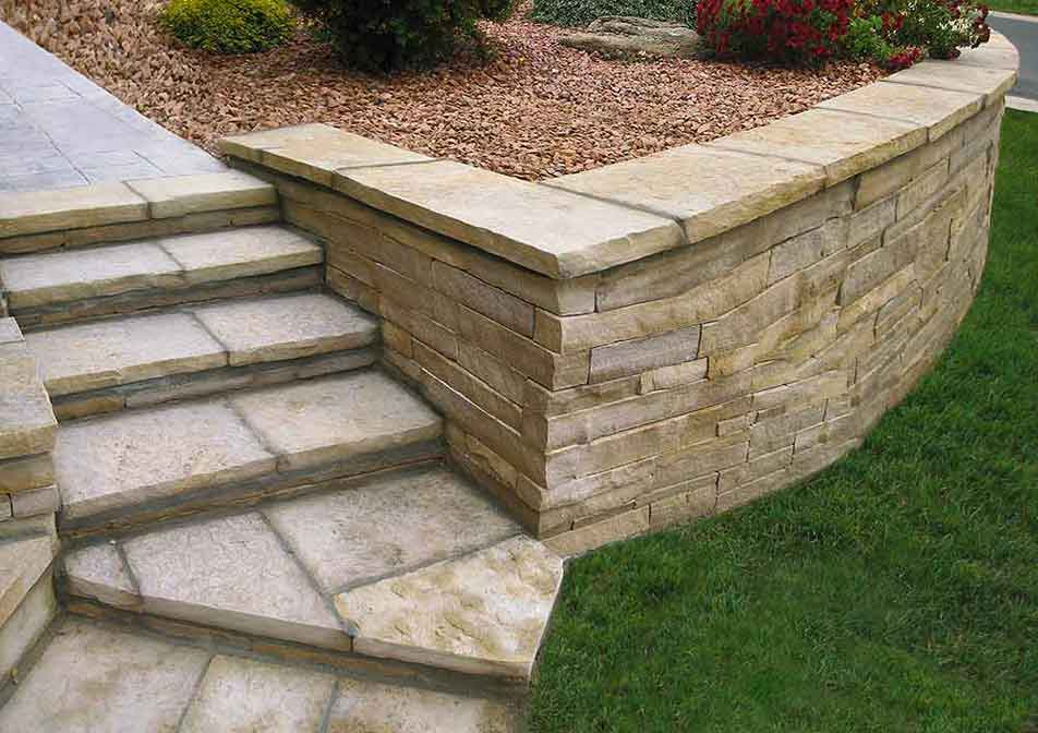 Flagstone-Retaining-Wall-and-Steps