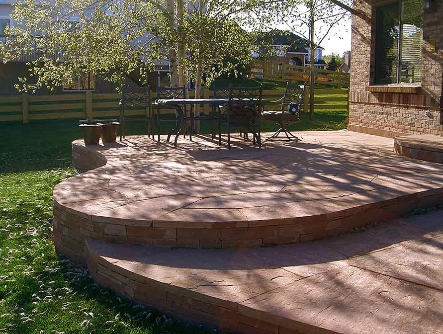 Raised-Red-Sandstone-Patio
